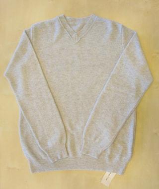 本当の贅沢に包まれる! 100パーセントリサイクルにこだわったウールセーター!