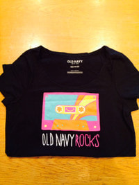 OLD NAVYのTシャツプレゼントです!