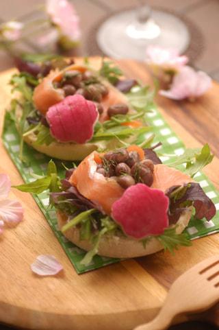 「貝豆のオープンサンド」