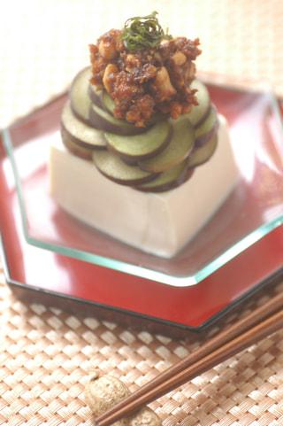 「落花生味噌と秋茄子のせ豆腐」