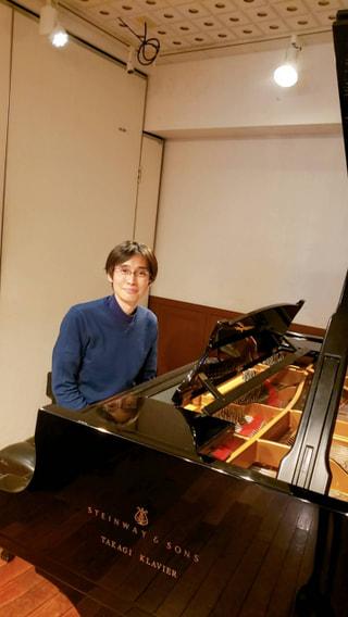 今夜のゲストは、 ピアニスト 近藤嘉宏さん