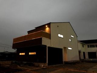 ビルトインガレージのある家