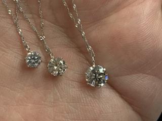 1カラットにわずかに届かない0.9カラットのダイヤだからこそのお買い得!