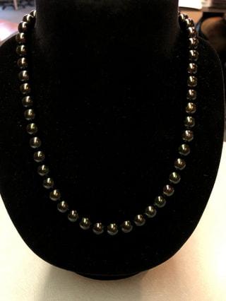 大人のマナー。仏事専用の黒真珠