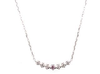 希少なピンクダイヤのネックレス