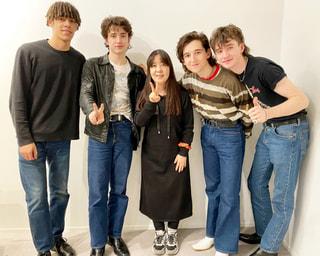 今夜はINHALER 、Anne Marie、The Kid Laroi、D.O (EXO)の新作,名盤はMcFly & Bling Blingからメッセージ!