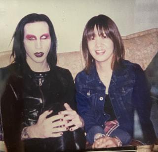 今夜はMarylin Mansonの新作紹介!懐かしの名曲はNKOTBファミリー!名盤はT.Rexです!