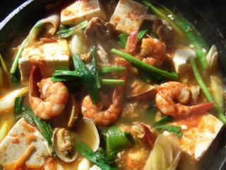 ダッチオーブンレシピ「豆腐チゲ鍋」