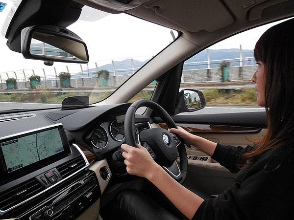 ドライブレポートえみり BMW2アクティブツアラー 012