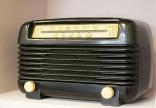 みんながテレビに走るので私、ラジオ独占させてもらいます。