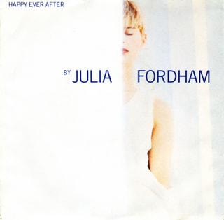 ジュリア・フォーダムとポーラ・アブドゥルを聞きながら